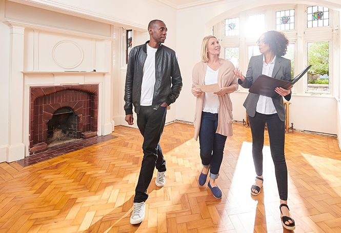 10 questions to ask estate agents before buying a house