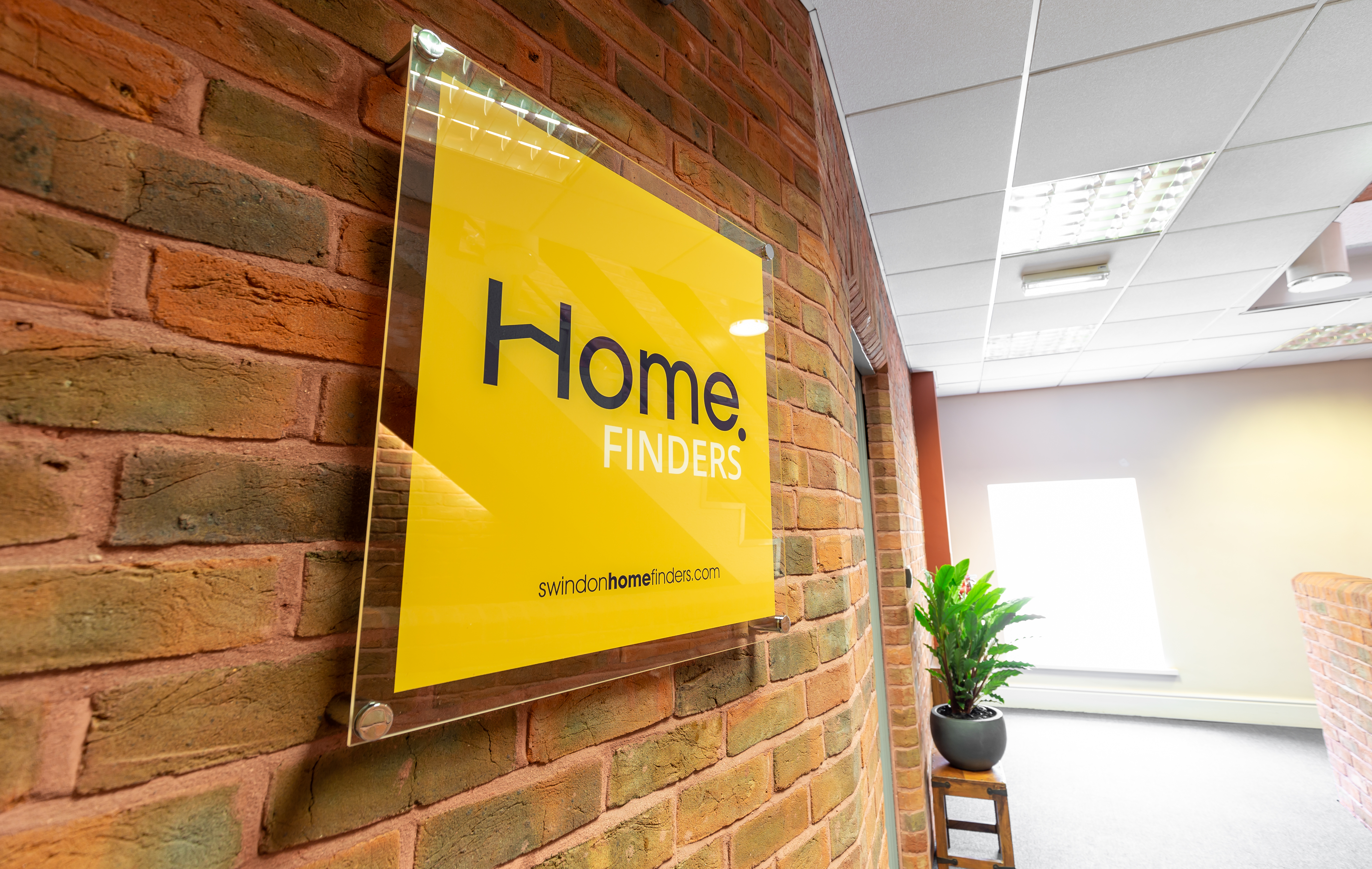 home finders sign