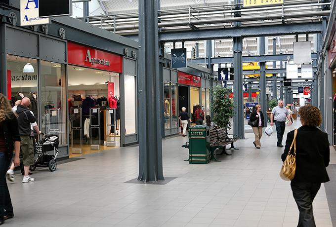 Swindon's Designer Outlet is put up for sale