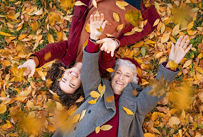 Autumn vibes – grab your broom and sweep the summer away!